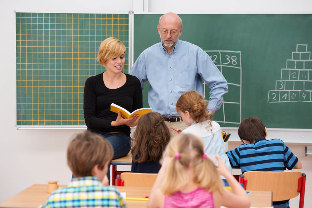teaching assistant diploma course essay Teaching assistant essay sample 1 the national curriculum is a framework that is used by maintained schools in england the national curriculum is the agenda for teaching and learning in schools.